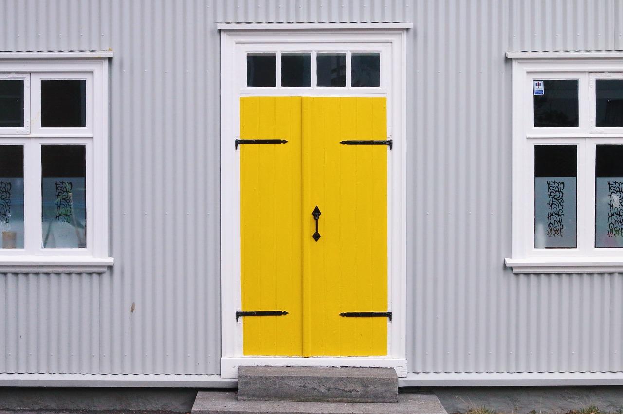 Drzwi zabezpieczające dom. Drzwi zewnętrzne antywłamaniowe w Warszawie