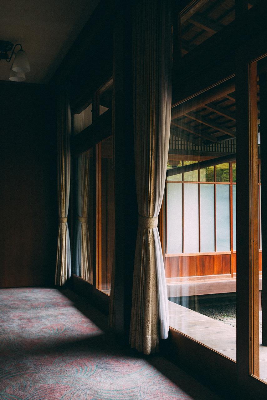 Ciche okna. Współczynnik izolacyjności akustycznej okien RW
