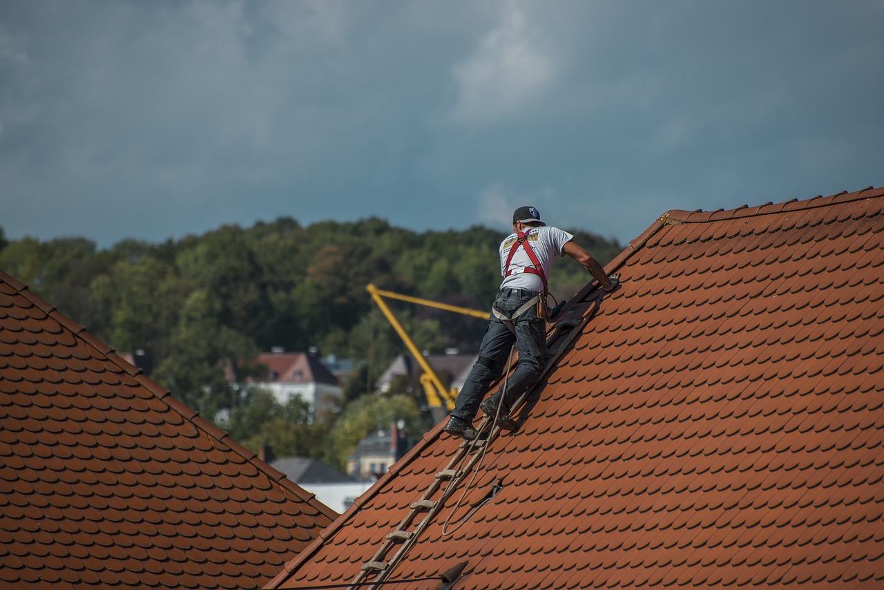 Lokalizacja nieszczelności dachu. Szczelny dach to podstawa